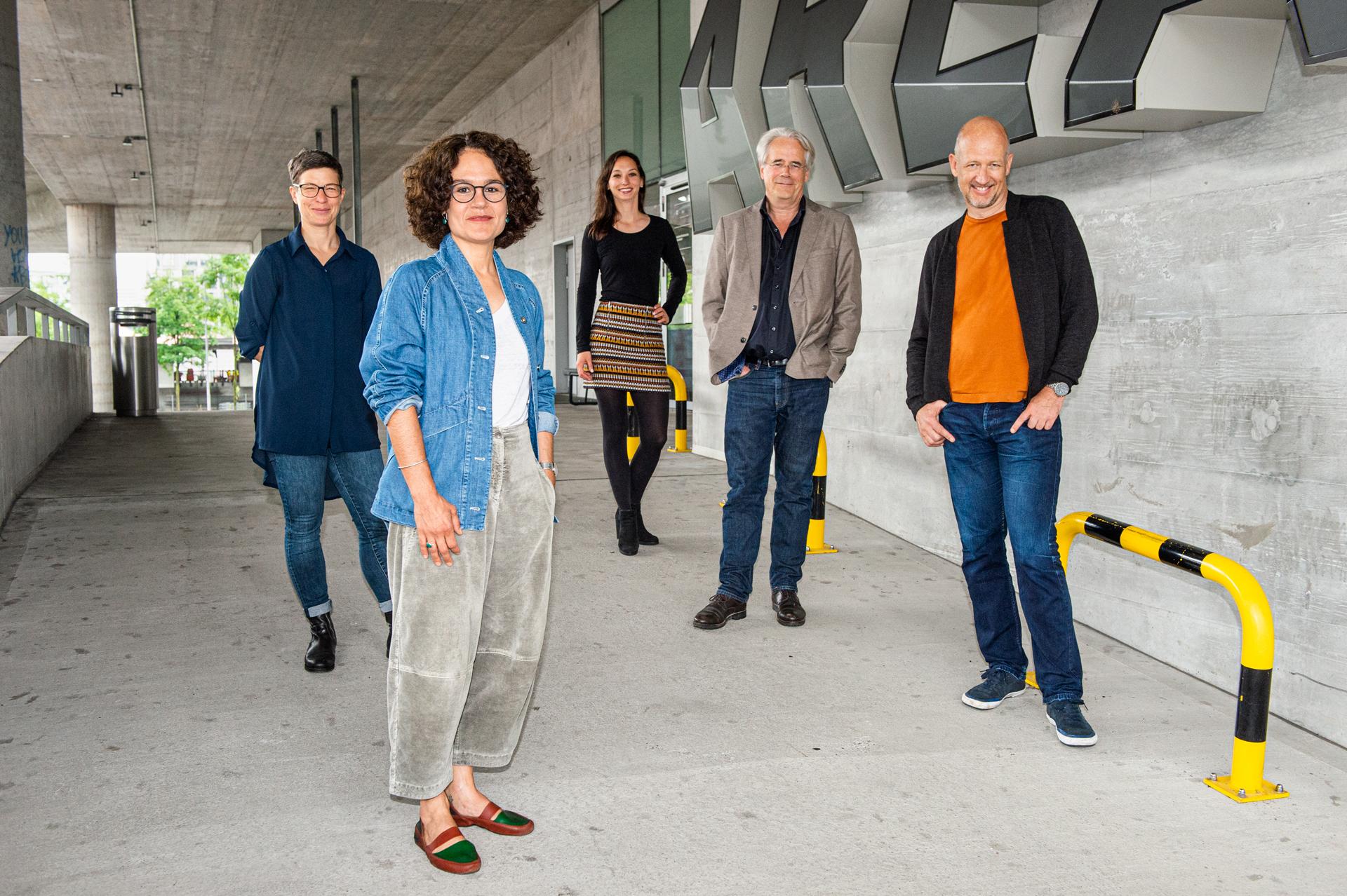 From left to right: Ursula Ledergerber, Karin Zindel, Friederike Vinzenz, Michael Eidenbenz, Michael Krohn. Photograph: Johannes Dietschi