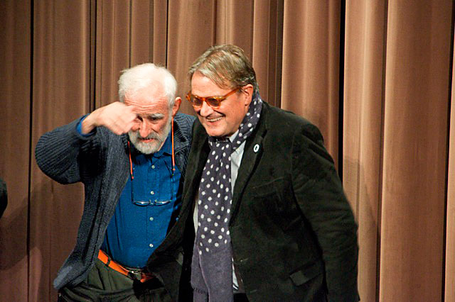 Oliviero Toscani (rechts) und Serge Libiszewski an der Eröffnung der Ausstellung Sergio Libis im m.a.x. museo in Chiasso, 2010. Foto: © Thomas Libiszewski
